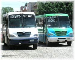 Puerto Vallarta Transport - blauer und grüner Bus