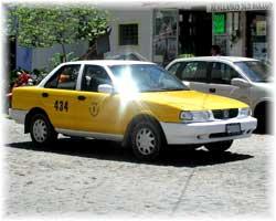 Puerto Vallarta - gelbes Taxi