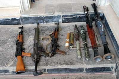 Gewehre, Schnellfeuerwaffen und Panzerfäuste