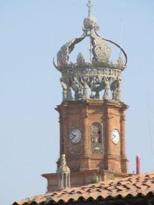 Die Krone des Kirchturms in Puerto Vallarta